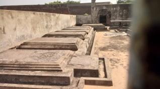Dutch graves
